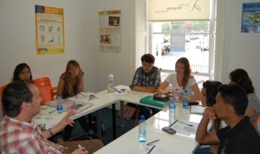 How to Choose the Best Language Learning School?
